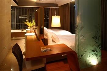 常州恐龙谷温泉度假酒店温泉水景房