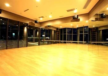 青岛远雄悦来酒店公寓舞蹈室