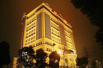 上海哈一顿大酒店酒店外观-夜景图片