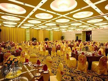 上海华凯华美达广场酒店餐厅