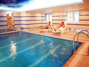 北京德宝饭店游泳池