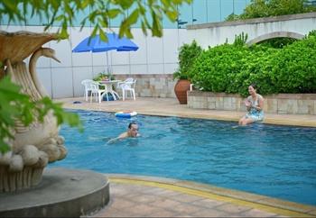 广州花都新世纪酒店游泳池