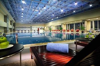 北京中关村皇冠假日酒店游泳池