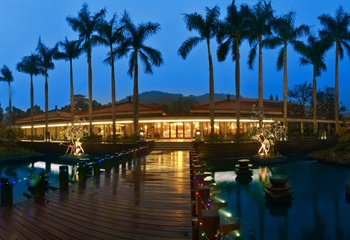 中山温泉宾馆西餐厅夜景