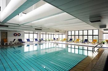 上海国际贵都大饭店室内游泳池