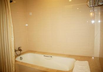 北京中意鹏奥酒店豪华套间-浴缸