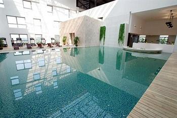 广州白云国际会议中心室内泳池