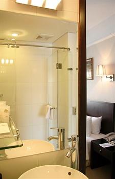 北京香江戴斯酒店豪华间-洗手间
