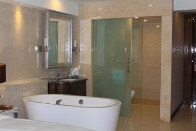 广州克莱顿酒店洗手间