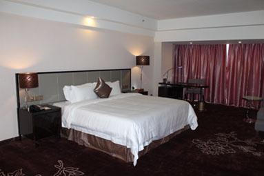 广州克莱顿酒店中式高级大床房