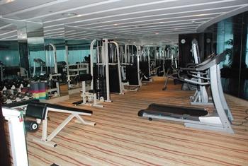 东莞樟木头三正半山酒店健身房