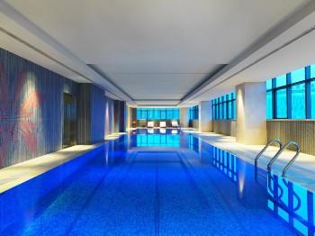 扬州绿地福朋喜来登酒店室内恒温游泳池