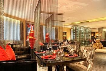 济南索菲特银座大饭店比萨高厅
