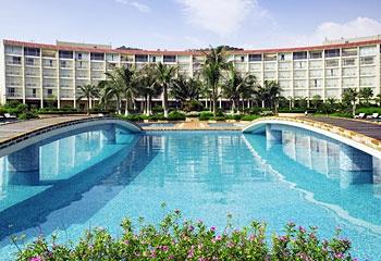 东莞唐拉雅秀酒店室外游泳池