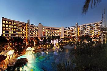 深圳华侨城洲际大酒店酒店外观图片