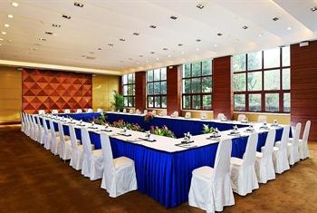 南京金陵江滨酒店江川厅会议室