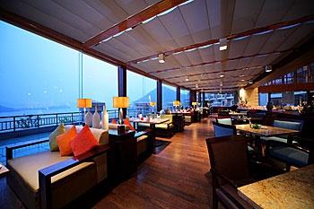 临安中都青山湖畔大酒店云水间西餐厅