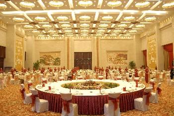 山东大厦餐饮包间-金色大厅