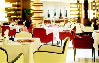 沈阳凯宾斯基饭店湖景阁西餐厅