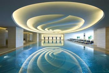 大连富力希尔顿酒店游泳池