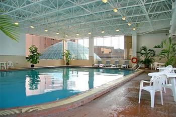 青岛丽晶大酒店游泳池