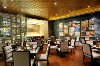东莞旗峰山铂尔曼酒店西餐厅