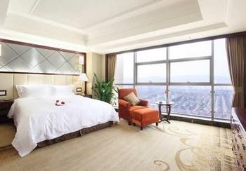 常熟世贸国际饭店至高套房-卧室
