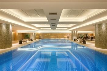 青岛鑫江温德姆酒店游泳池