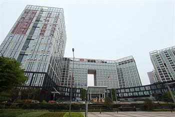深圳龙岗珠江皇冠假日酒店外观图片