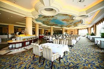 武汉碧桂园凤凰酒店湖畔西餐厅