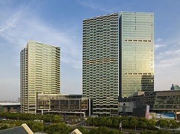 上海浦东嘉里大酒店酒店外观图片