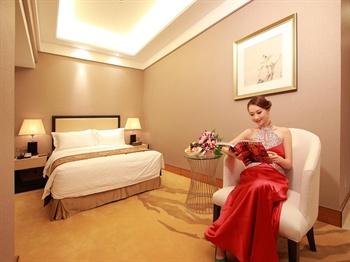广州达镖国际酒店商务大床房