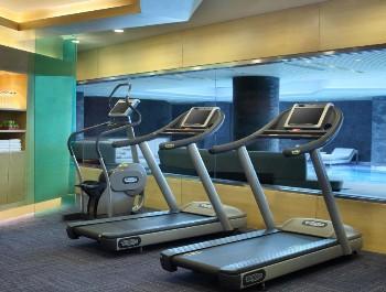天津海河英迪格酒店健身房