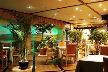 昆明中维天恒大酒店2F地平线西餐厅