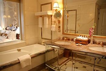 北京励骏酒店豪华套房-洗手间