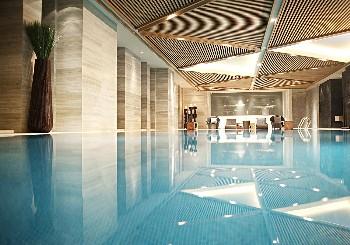 重庆富力艾美酒店游泳池