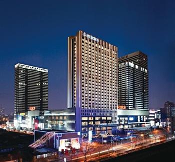 青岛富力艾美酒店酒店外观