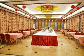 安徽金孔雀温泉养生中心一楼自助餐区域