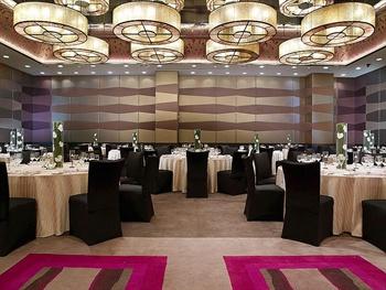 金茂北京威斯汀大饭店朝阳宴会厅摆台