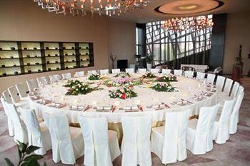 深圳隐秀山居酒店中餐总统房(30人位桌型)