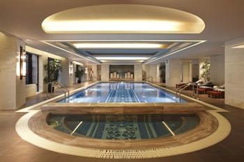 上海外滩华尔道夫酒店泳池
