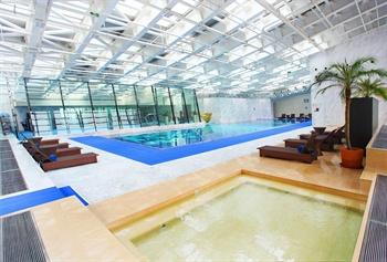 北京朝阳悠唐皇冠假日酒店游泳池