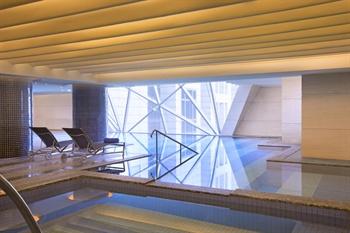 上海威斯汀大饭店室内游泳池