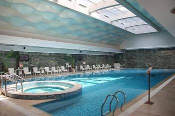 大连中远海运洲际酒店游泳池