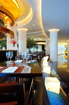 上海世茂皇家艾美酒店乐园标帜餐厅