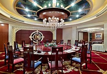 东莞悦莱花园酒店餐厅包间