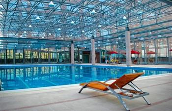 清遠國際酒店室內恒溫游泳池