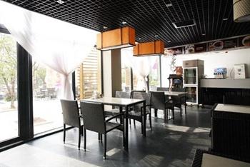 张家港金凤凰温泉度假村餐厅