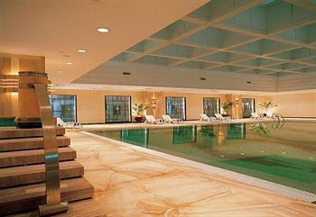 济南鲁能贵和洲际酒店游泳池