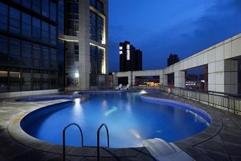 深圳南山鸿丰大酒店游泳池